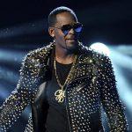 القبض على المغني الأمريكي آر. كيلي بتهمة ارتكاب جرائم جنسية