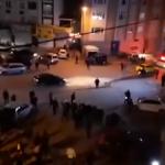 شاهد.. آلاف الأتراك يعتدون على محال السوريين في إسطنبول