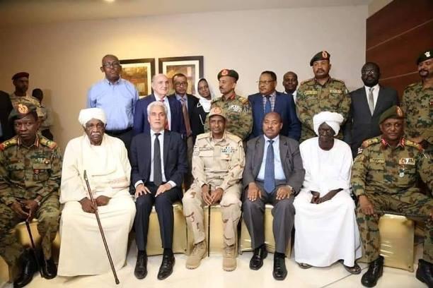 السودان.. المجلس العسكري يتعهد بتنفيذ اتفاق المرحلة الانتقالية – قناة الغد