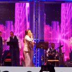 المطربة أمينة تحيي حفلها الأول بالسعودية وسط استقبال حافل من الجمهور