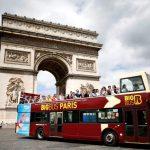 مسؤول فرنسي: لا أهلا ولا سهلا بحافلات السياح في قلب باريس
