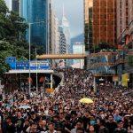 مسيرة جديدة للمحتجين في هونج كونج تهدف لشرح وجهة نظرهم للزوار الصينيين