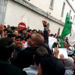 الجزائر.. المحامون يتظاهرون من أجل استقلال القضاء