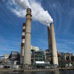 نشطاء البيئة يحاصرون محطة كهرباء في مدينة ألمانية