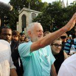 كوربين يطالب المعارضة البريطانية بدعمه لتشكيل حكومة مؤقتة