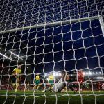 ليفربول يسحق نوريتش سيتي في افتتاح الدوري الإنجليزي