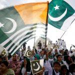 يوم حزن في باكستان بسبب كشمير.. والهند تحتفل بالاستقلال