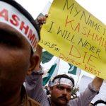 القبض على نحو 300 سياسي لكبح احتجاجات كشمير