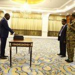 التعايشي يؤدي القسم أمام رئيس المجلس السيادي السوداني