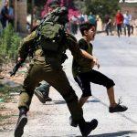 عشية يوم الطفل.. الاحتلال يواصل اعتقال 200 أسير فلسطيني قاصر