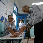 الرئيس التونسي المؤقت يدلي بصوته في الانتخابات الرئاسية