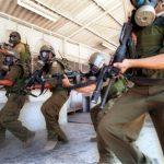 وحدات القمع الإسرائيلية تقتحم غرف الأسرى في سجني ريمون وجلبوع
