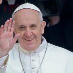 رجال الإطفاء ينقذون البابا فرنسيس
