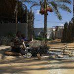 عائلة فلسطينية تحافظ على بقاء مهنة «الخوّاص» في غزة