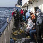 إيطاليا تسمح بإنزال 182 مهاجراً تم إنقاذهم في البحر المتوسط