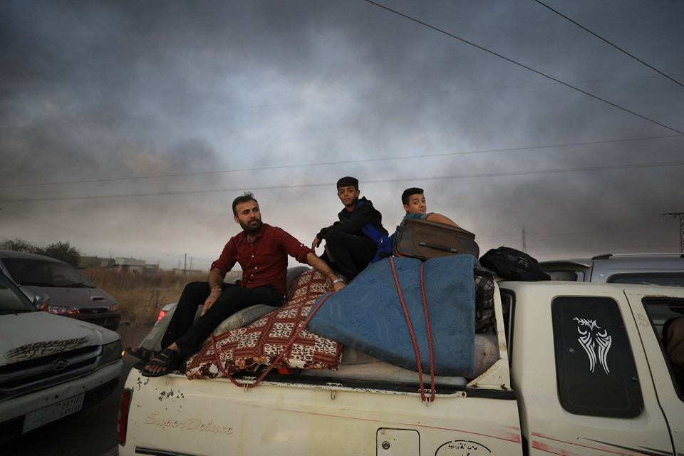 اليوم الثالث للعدوان التركي… تفجير داعش في القامشلي ونزوح 100 ألف سوري – قناة الغد