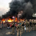 لبنان.. متظاهرون يحطمون محلات ويضرمون النار في قلب بيروت