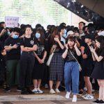 صور| احتجاجات في هونج كونج بعد إصابة متظاهر برصاص الشرطة