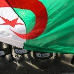 مظاهرات في الجزائر تطالب برحيل رموز النظام السابق