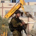 الاحتلال يخطر بهدم عدة منازل في الضفة والقدس