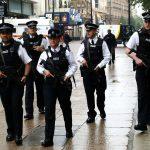 شرطة لندن تداهم مقهى يدخن رواده الشيشة