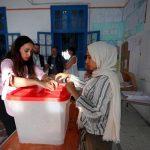 بدء التصويت في جولة الإعادة الحاسمة لانتخابات الرئاسة التونسية