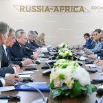 بوتين والسيسي يبحثان استئناف الرحلات الجوية إلى مصر