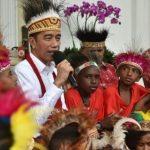 الرئيس الإندونيسي يبدأ ولايته الجديدة وسط موجة من الأزمات