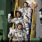 شاهد  رائد الفضاء الإماراتي هزاع المنصوري في طريق العودة إلى الأرض