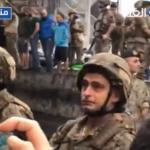 لبنان ينتفض.. جندي في الجيش يبكي خلال محاولات القمع