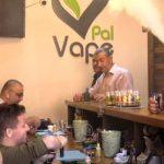 منع استيراد السجائر الإلكترونية في غزة.. وغضب بين التجار
