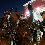 الاحتلال ينفذ حملة اعتقالات في الضفة.. ويطلق النار على الصيادين بغزة