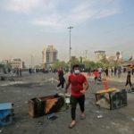المتظاهرون يغلقون طرقا رئيسية وموانئ في العراق
