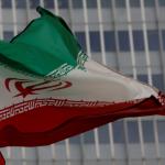 نائب إيراني يدعو بلاده لصنع أسلحة نووية