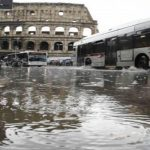 الأمطار الغزيرة تضرب إيطاليا والبندقية تشهد أسوأ فيضانات منذ 50 عاما
