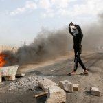 رويترز: القوات العراقية تطلق الغاز المسيل للدموع وإصابة 22 في بغداد