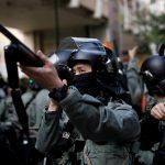 شرطة هونج كونج تهدد باستخدام الرصاص ضد المحتجين