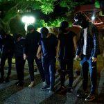 استسلام بعض محتجي هونج كونج مع قرب انتهاء حصار جامعة