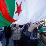 الجزائر.. عفو رئاسي عن عدد من ناشطي الحراك