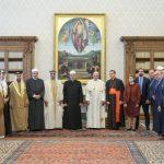 وزير الداخلية الإماراتي يلتقي البابا فرنسيس