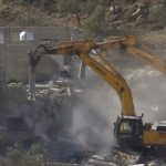 الاحتلال يهدم منزلين في مدينة رام الله بالضفة الغربية
