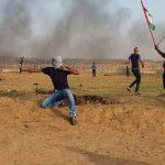 إصابة عشرات الفلسطينيين جراء قمع الاحتلال مسيرات العودة في غزة