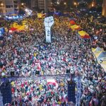 لبنان يتمرد على الطبقة السياسية.. ويقف على أبواب المجهول