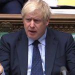 التايمز: جونسون سيتخلى عن التهديد بالخروج من الاتحاد الأوروبي دون اتفاق