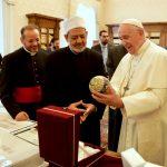 شيخ الأزهر وبابا الفاتيكان يواصلان نداءات التضامن العالمي في مواجهة كورونا