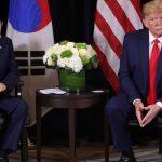 ترامب يبحث مع رئيس كوريا الجنوبية سبل الحفاظ على المحادثات مع بيونجيانج