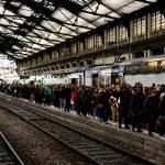 احتجاجات الخميس الأسود تعرقل الحياة في باريس