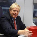 بريطانيا تعيد فتح المدارس