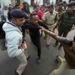 وسط انتقادات أممية.. اشتباكات في نيودلهي بسبب قانون المواطنة