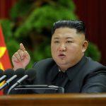 زعيم كوريا الشمالية يتفقد أعمال الإغاثة من السيول